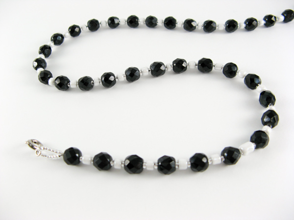 black-crystal-necklace