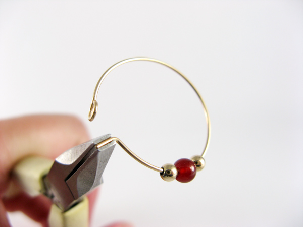 wire hoop earring step6